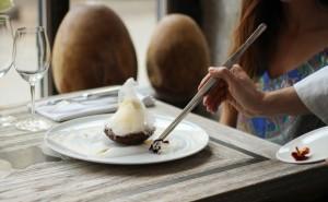 Deser z białej i ciemnej czekolady IMG 8015
